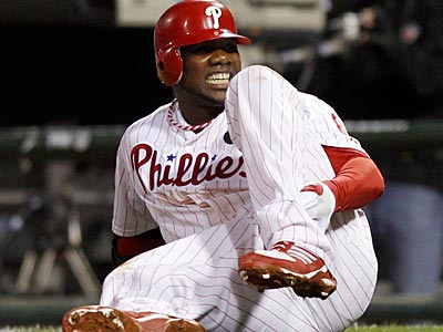 Ryan Howard is off crutches after rupturing his left Achilles tendon during the NLDS. (Yong Kim/Staff Photographer)