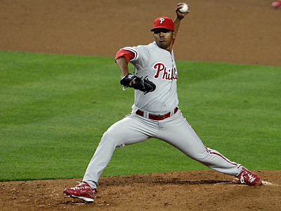 Antonio Bastardo pitches in Game 1 of the NLCS.  (David Maialetti / Staff Photographer)