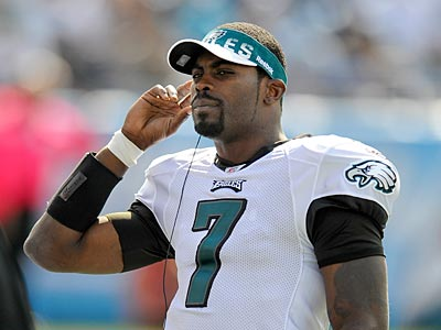 Michael Vick will return to his starting quarterback job after the Eagles´ bye week. (Clem Murray/Staff Photographer)