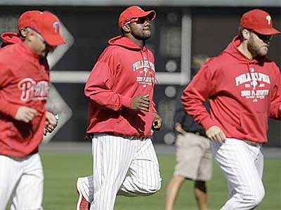 The Phillies work out at Citizens Bank Park on Monday, Oct. 26. (David Maialetti / Staff Photographer)