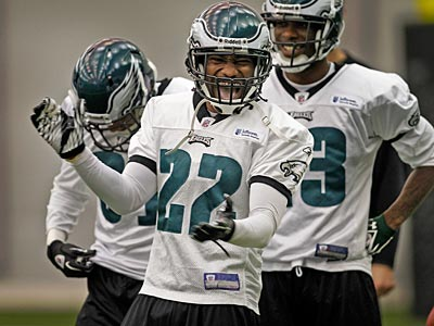 The Eagles traded Asante Samuel to the Falcons for a 7th-round pick. (Alejandro A. Alvarez/Staff Photographer)