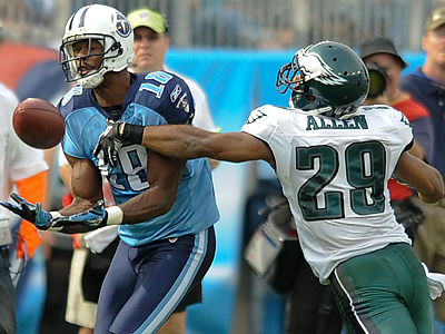 Eagles´ rookie Nate Allen is unable to prevent Titans´ Kenny Britt from receiving the ball last Sunday. (Clem Murray / Staff Photographer)