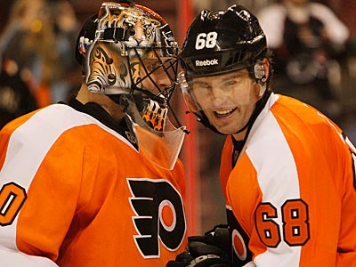 Bryzgalov Looks Better In Flyers' 5-1 Win Over Carolina