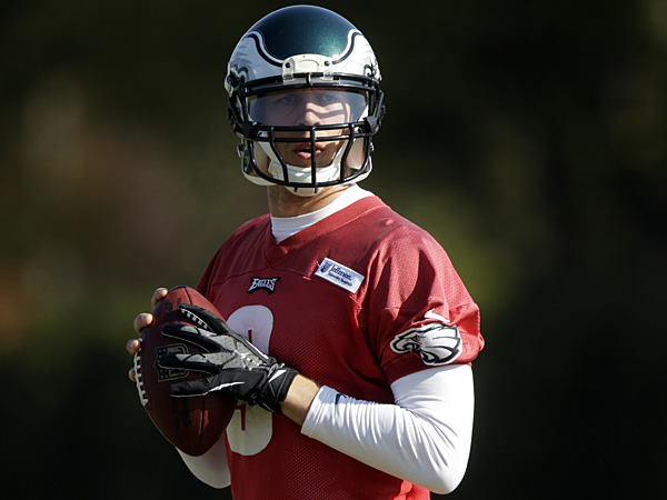 Eagles quarterback Nick Foles throws a pass during practice at the NovaCare Complex on Tuesday, Oct. 29, 2013. (Matt Rourke/AP)