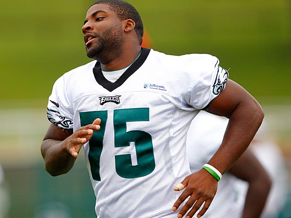 The Eagles have put Vinny Curry and Isaac Sopoaga out there prior to the NFL trade deadline. (AP Photo/Rich Schultz)