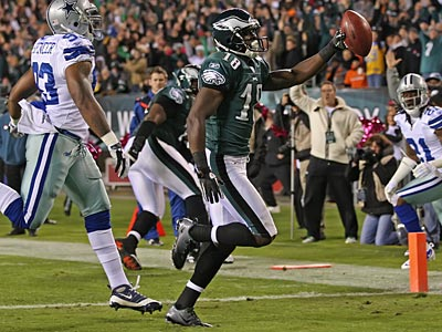 Jeremy Maclin caught his fourth touchdown pass of the season against the Cowboys. (Michael Bryant/Staff Photographer)