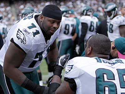 Eagles offensive tackle Jason Peters led the team in both penalties and penalty yards this season.