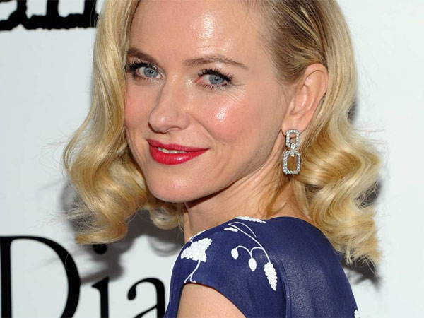 "Actress Naomi Watts attends the premiere of ""Diana"" hosted by The Cinema Society, Linda Wells and Allure Magazine at the SVA Theater on Wednesday, Oct. 30, 2013 in New York. (Photo by Evan Agostini/Invision/AP)"