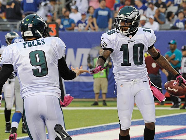 DeSean Jackson celebrates a touchdown with Nick Foles during the second half of Sunday´s win over the Giants. (Bill Kostroun/AP)
