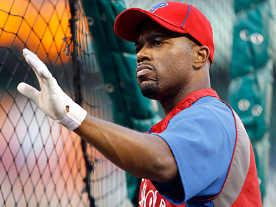 Jimmy Rollins would sign a deal before hitting the open market if the Phillies offer him one he likes. (Yong Kim/Staff file photo)
