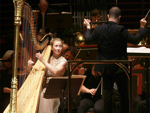 Orchestra debuts 3 commissioned concertos for Sideboard yannick