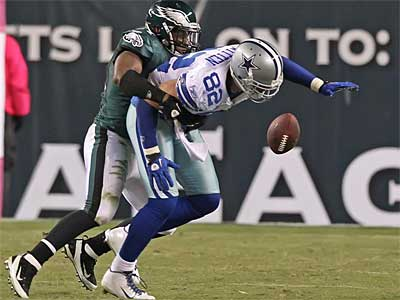 Jamar Chaney and the Eagles shut down Jason Witten (82) last week. (Michael Bryant / Staff Photographer)