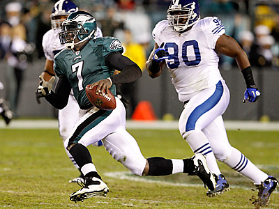 Michael Vick ran and threw for a touchdown in the Eagles 26-24 win over the Colts. (Ron Cortes/Staff Photographer)