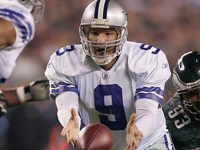 Cowboys quarterback Tony Romo had quite a bit of success attacking the Eagles´ defense when they blitzed. (David Swanson/Staff Photographer)