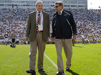 Penn State president Graham Spanier (left) and football coach Joe Paterno (right) have been fired. (Gene J. Puskar/AP file photo)