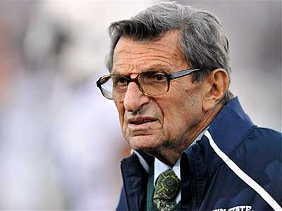 Joe Paterno was fired Wednesday night as Penn State´s football coach. (AP Photo / Jim Prisching)