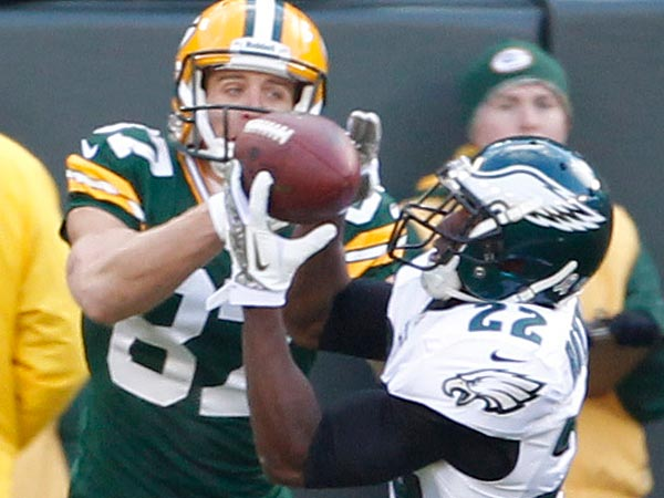 Eagles Brandon Boykin intercepts a pass intended to packers Jordy<br />Nelson in end zone. (Ron Cortes/Staff Photographer)