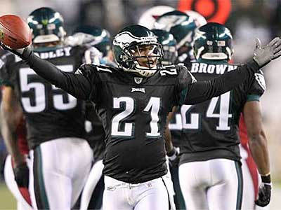 The NFL has suspended Eagles cornerback Joselio Hanson for four games. (File photo)