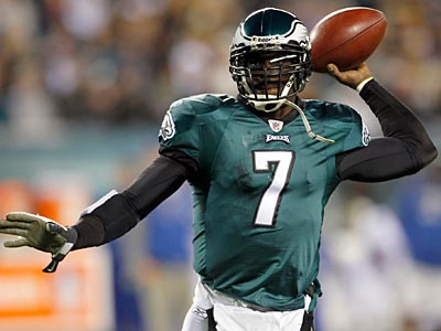 Eagles QB Michael Vick is not concerned about his next contract right now. (Yong Kim / Staff Photographer)