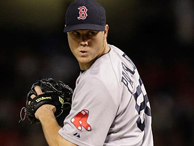 The Phillies have reportedly agreed on a four-year deal with former Red Sox closer Jonathan Papelbon. (AP)