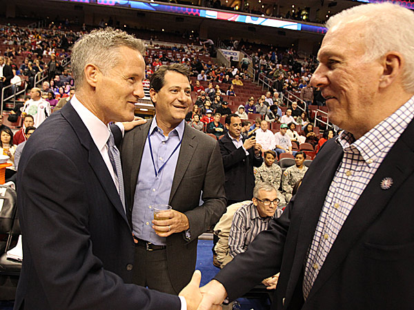 76ers head coach Brett Brown and Spurs head coach Gregg Popovich. (Charles Fox/Staff Photographer)