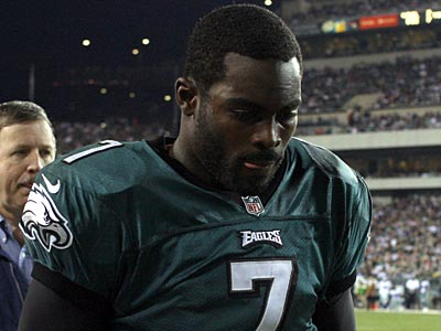 Eagles quarterback Michael Vick suffered a concussion against the Cowboys. (Yong Kim/Staff Photographer)