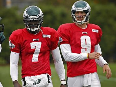 Eagles quarterback Michael Vick (left) and Nick Foles (right). (Alejandro A. Alvarez/Staff Photographer)