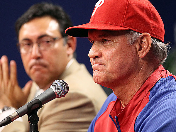 New Phillies manager Ryne Sandberg, right, and general manager Ruben Amaro Jr. (Yong Kim/Staff Photographer)
