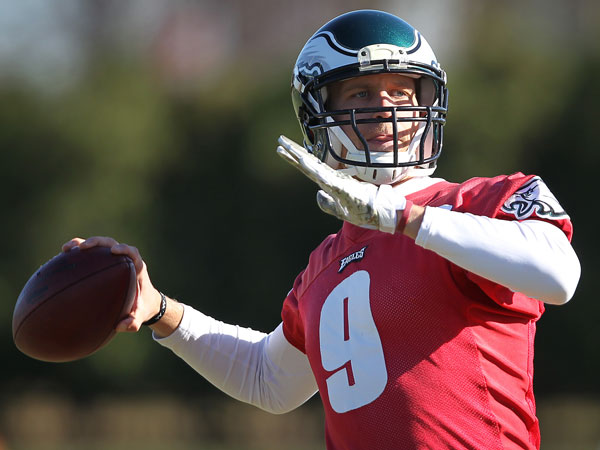 Foles hopes to pass into win column at Linc