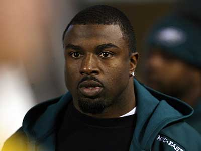 Eagles´ Brian Westbrook suffered his second concussion in four games earlier today against the Chargers. (Ron Cortes / Staff Photographer)