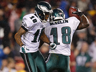 DeSean Jackson celebrates Jeremy Maclin´s touchdown in the second quarter. (Ron Cortes / Staff Photographer)