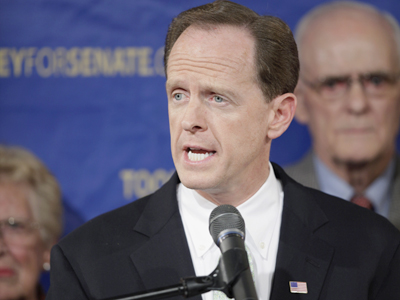 Sen. Pat Toomey: Close loopholes. (Christopher Gardner / For the Inquirer)