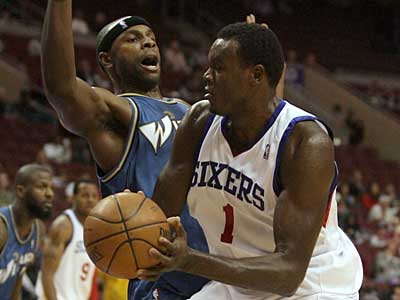 The 76ers´ Samuel Dalembert has been the subject of trade rumors, but nothing is imminent. ( Yong Kim / Staff Photographer )