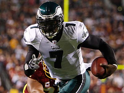Michael Vick accounted for six touchdowns in the Eagles´ blowout win over the Redskins. (David Maialetti/Staff Photographer)