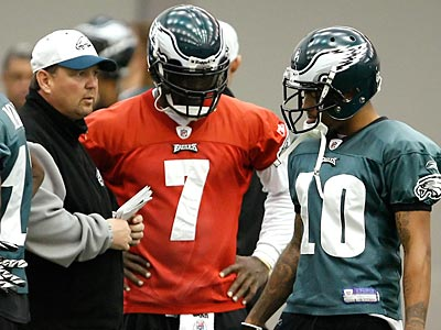 The Eagles will host the Giants Sunday night in a battle for the NFC East. (David Maialetti/Staff Photographer)