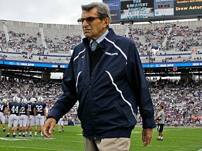 """Joe Paterno is reportedly in """"serious"""" condition. (Gene J. Puskar/AP file photo)"""