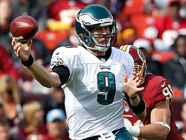 Eagles´ quarterback Nick Foles throws his first interception during the 1st quarter as the Philadelphia Eagles play the Washington Redskins at FedEx Field in Landover, MD, on November 18, 2012. (David Maialetti/Staff Photographer)
