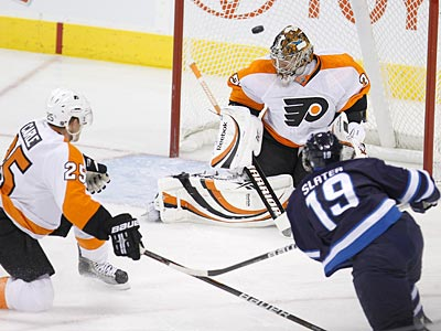 Sergei Bobrovsky stopped 34 of 39 shots in the Flyers´ 6-4 loss to the Jets. (AP Photo/The Canadian Press, Trevor Hagan)