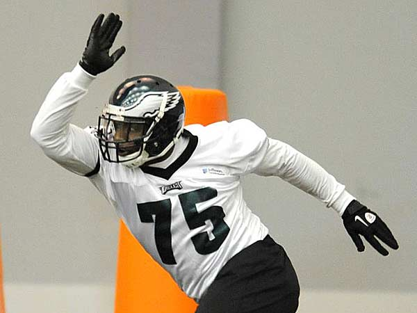 Vinny Curry will be activated for the first time this season Monday night against the Panthers. (Clem Murray/Staff Photographer)