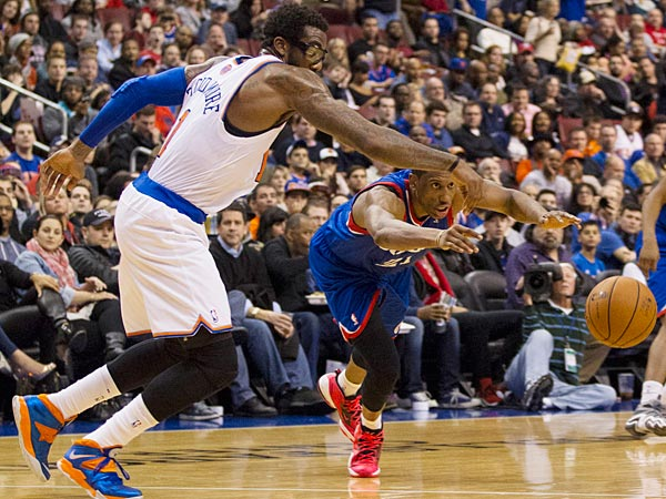 Knicks reserve Amar´e Stoudemire dominated the Sixers in what had the feel of a New York home game Saturday at the Wells Fargo Center. (AP Photo/Kathy Willens)