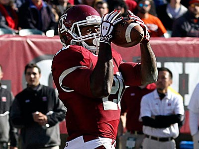 Temple´s Kenneth Harper makes a catch against Syracuse. (David Swanson/Staff Photographer)