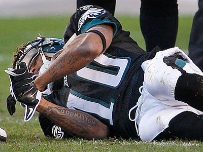 DeSean Jackson suffered a concussion after taking a hard hit in the third quarter. (Ron Cortes/Staff Photographer)