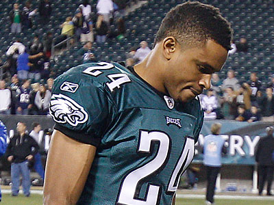 Eagles cornerback Nnamdi Asomugha talked Friday about the team´s expectations. (David Maialetti/Staff Photographer)