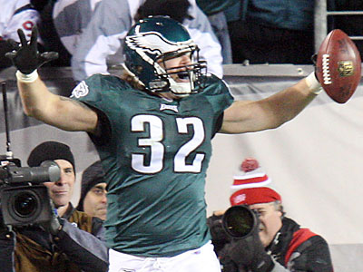Eagles fullback Owen Schmitt was cut from the Seahawks in 2010. (Steven M. Falk/Staff file photo)