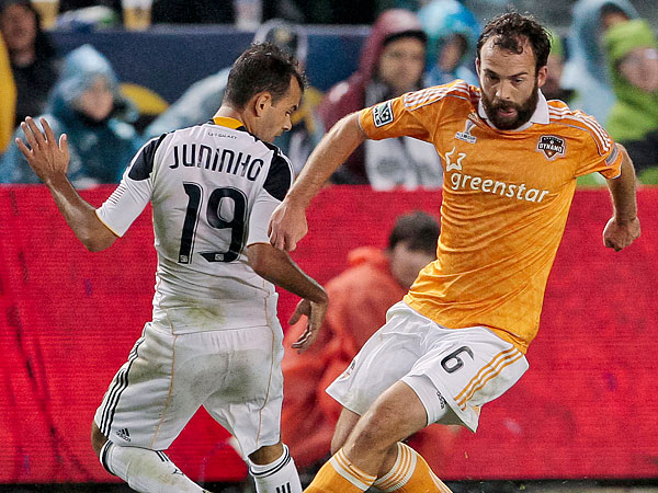 This year´s MLS Cup Final will be a rematch of last year´s game between the Los Angeles Galaxy and Houston Dynamo. (Bret Hartman/AP file photo)