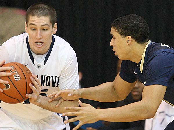 Villanova´s Ryan Arcidiacono steals the ball from Pitttsburgh´s James Robinson during the first half at The Pavilion in Villanova, Pa., Wednesday, January 16, 2013. (Steven M. Falk/Staff Photographer)
