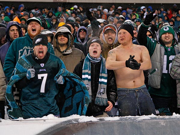 Eagle fans at Lincoln Financial Field. (Ron Cortes/Staff Photographer)