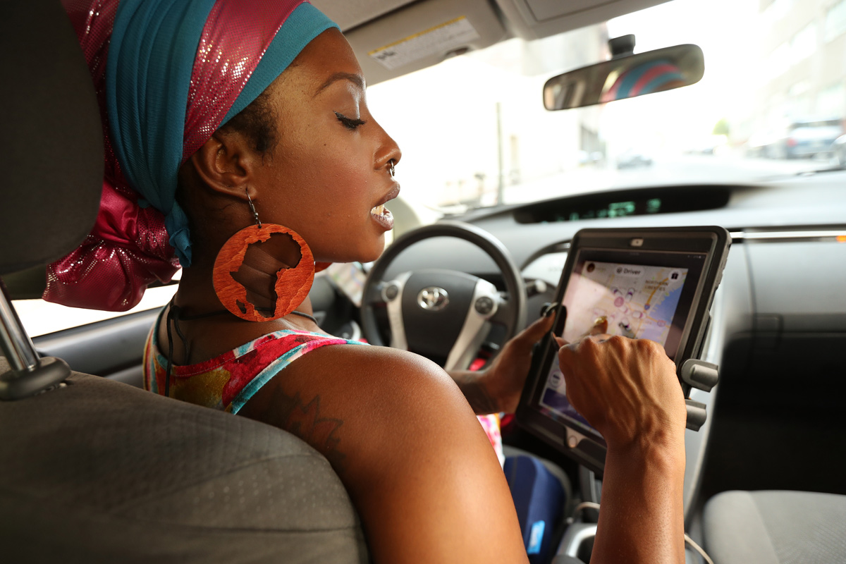 female vs male drivers Women uber drivers get paid less per hour by 7 percent, partially  after six  months is higher: 76 percent compared to 63 percent for men.
