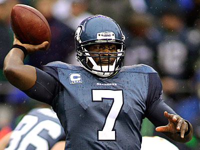 The Eagles defensive line shouldn´t have trouble getting to Seahawks quarterback Tarvaris Jackson. (Ted S. Warren/AP Photo)