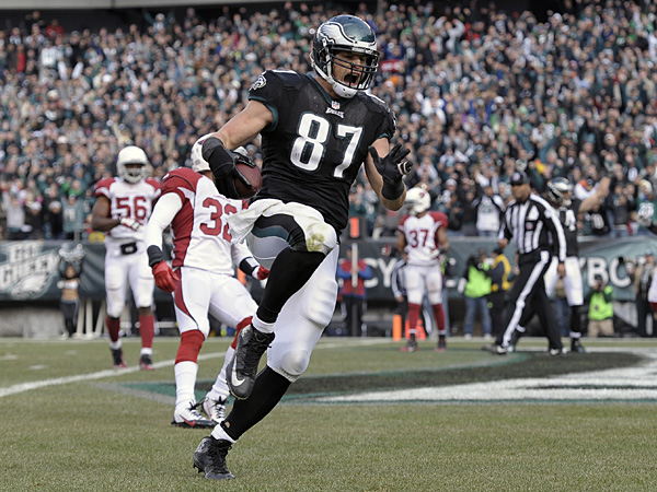 Eagles tight end Brent Celek reacts after scoring a touchdown during the first half against the Cardinals. (Michael Perez/AP)